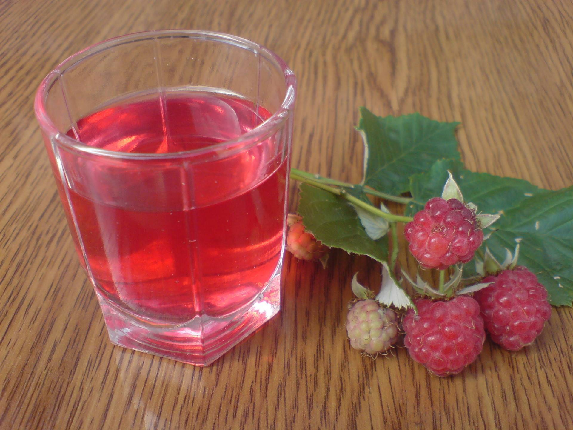 Вино, ликер и настойка из малины – 6 проверенных рецептов | дачная кухня (огород.ru)