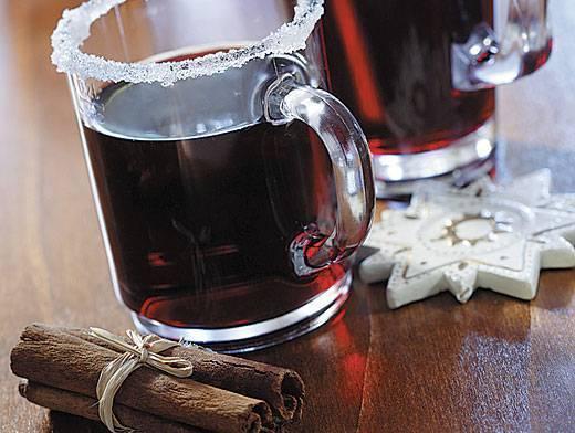 Рецепт можжевеловой водки, настойки на ягодах: применение и польза напитка