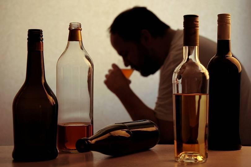 Как распознать тихого алкоголика?