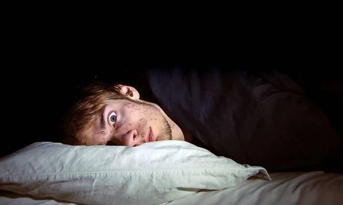 Бессонница после запоя при алкоголизме, а также после разовой пьянки при похмелье: почему возникает, что делать при нарушениях сна из-за алкоголя, как диагностировать и чем лечить?