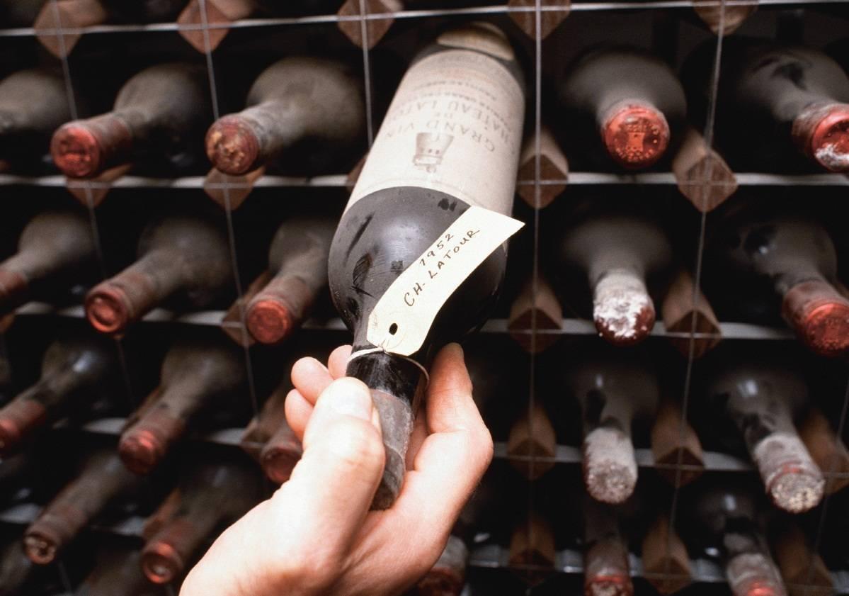 Как хранить вино: домашнее, в бутылках, в домашних условиях, при какой температуре