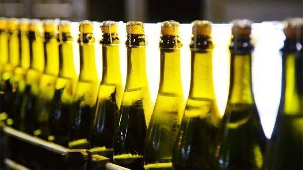 Чем отличается шампанское от игристого вина: в чем разница, отличие напитков, технология производства, а также что лучше и крепче