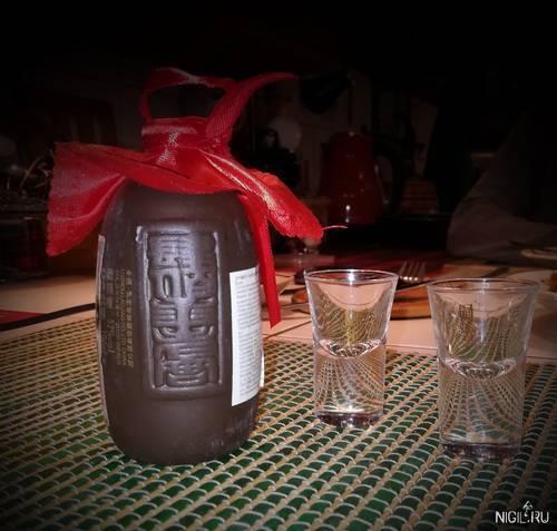 Традиционный японский алкоголь сакэ (нихонсю)