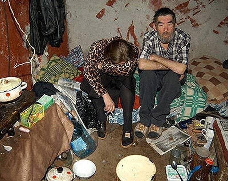 Как бороться с соседями алкоголиками: методы, причины для выселения