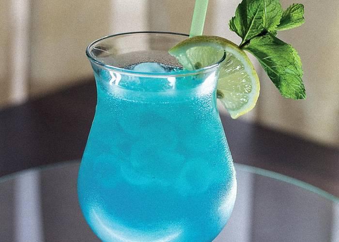 Коктейль «голубая лагуна» — история появления напитка
