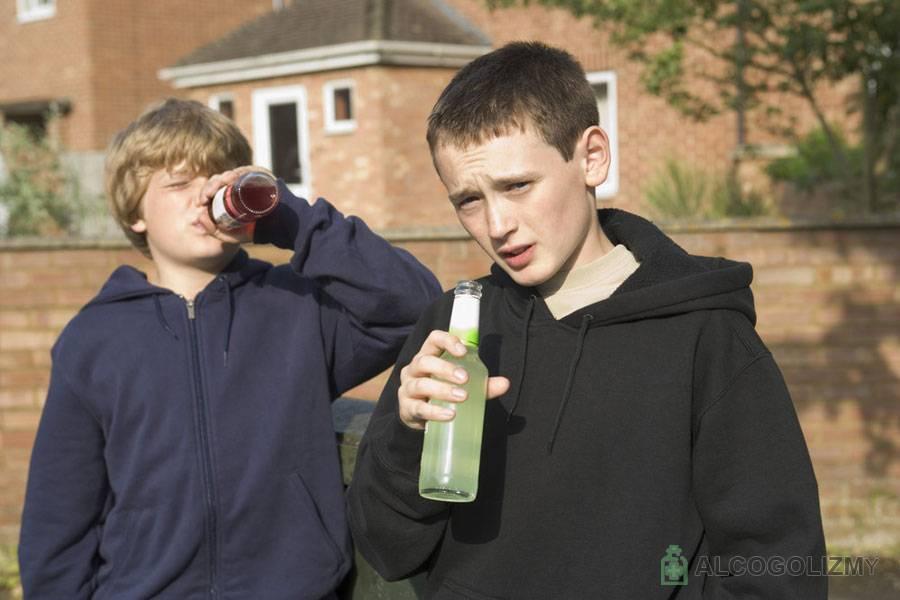 Дети и алкоголь. почему ребёнок начинает пить