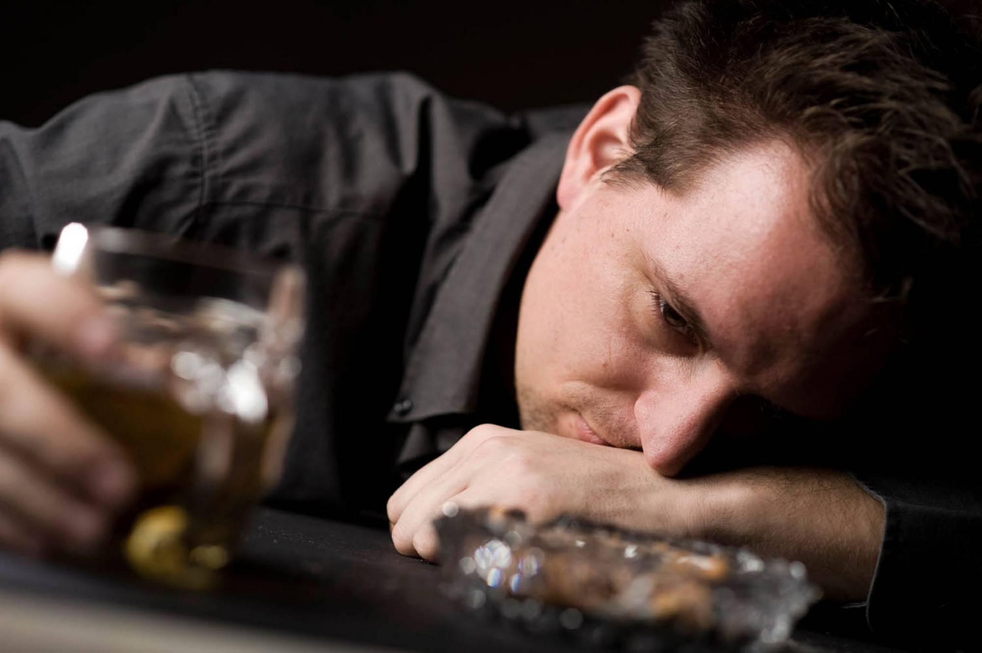 Как пить водку и чем её нельзя закусывать: с чем пьют водку, правильное питье, можно ли запивать её соком