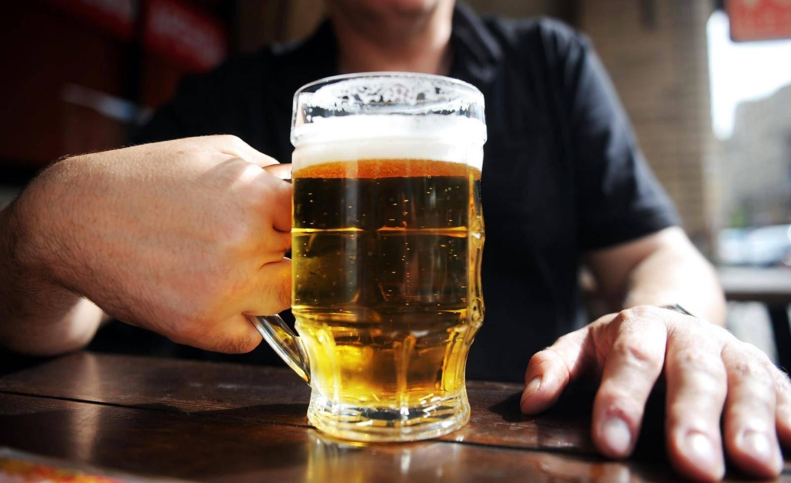 Выпить 200 грамм водки с похмелья. чем лучше похмеляться: пивом или водкой, и как правильно опохмелиться