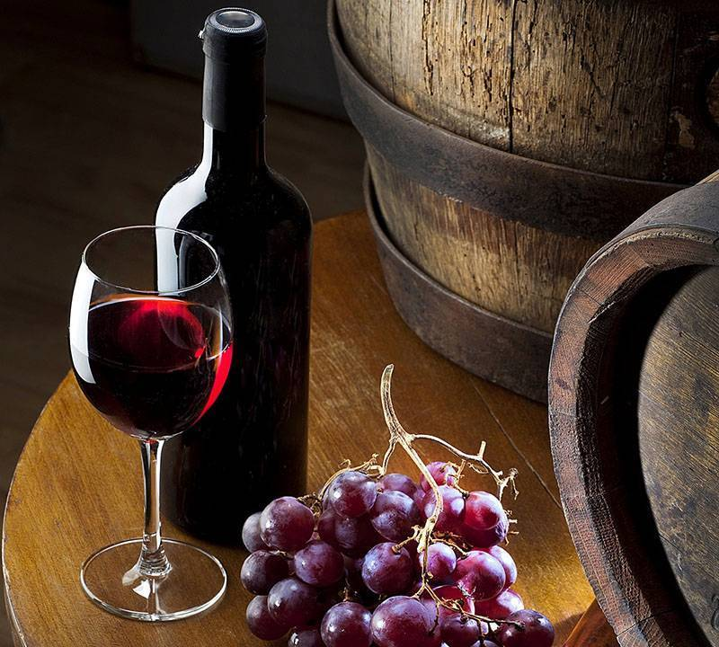 Как приготовить домашнее вино - пошаговый рецепт