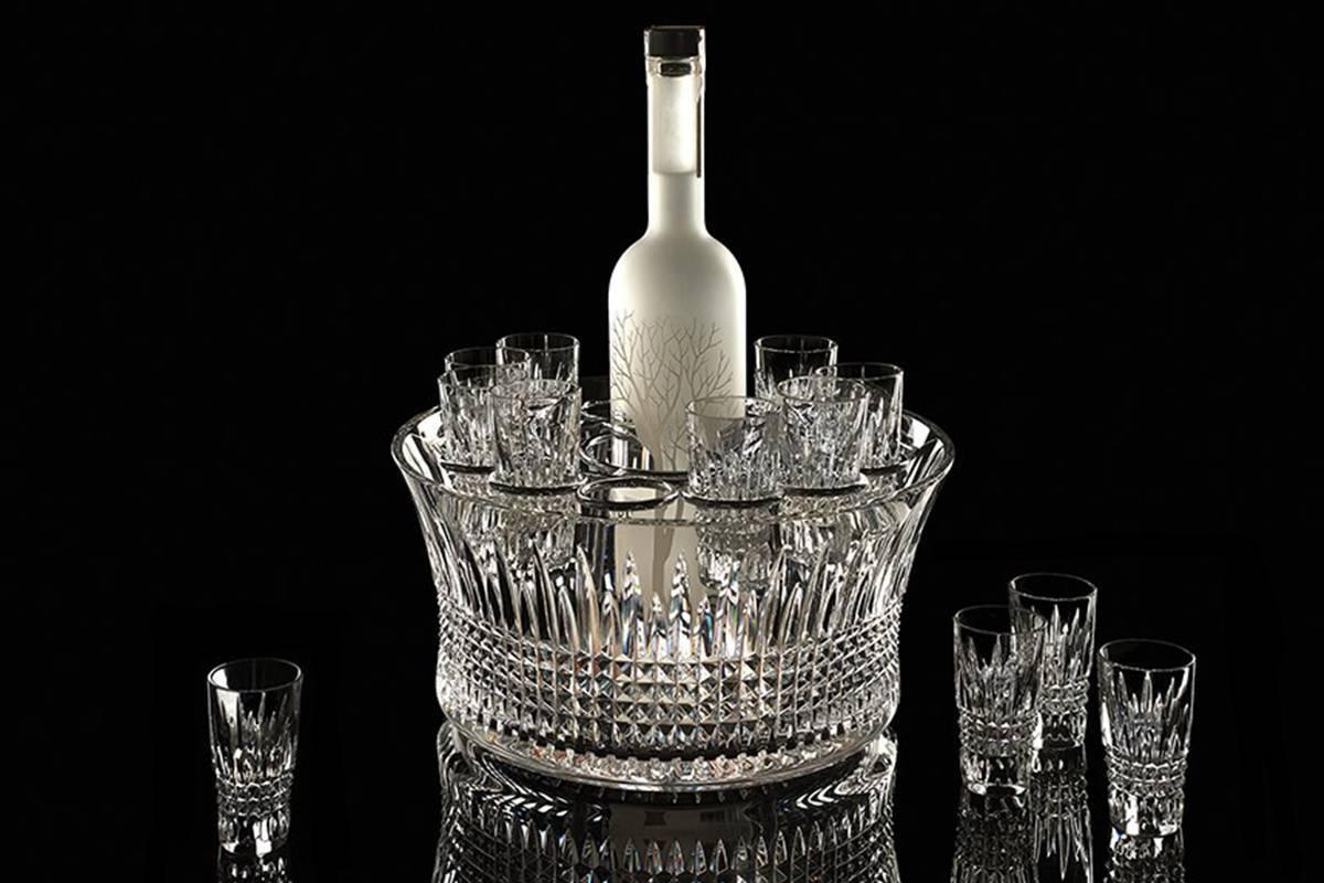 Посуда для водки: рюмки, стопки, штоф, графины, наборы