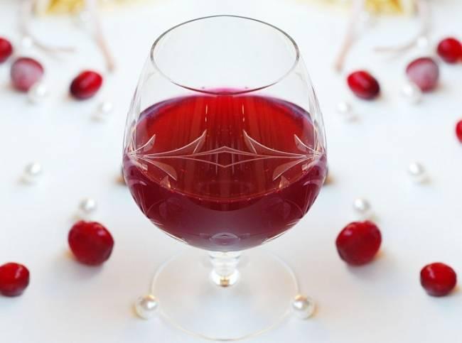 Готовим настойку на клюкве, клюквенное вино и ликер!