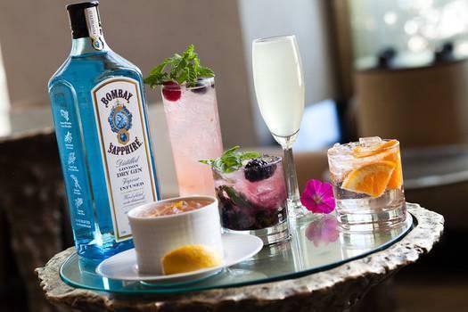 С чем пьют джин: как правильно пить в чистом виде и чем закусывать алкоголь, с чем можно мешать, кроме тоника