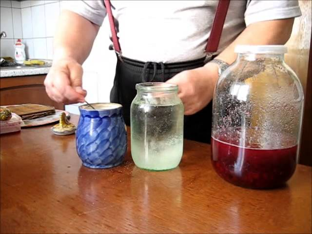 Как приготовить самогон на клюкве в домашних условиях