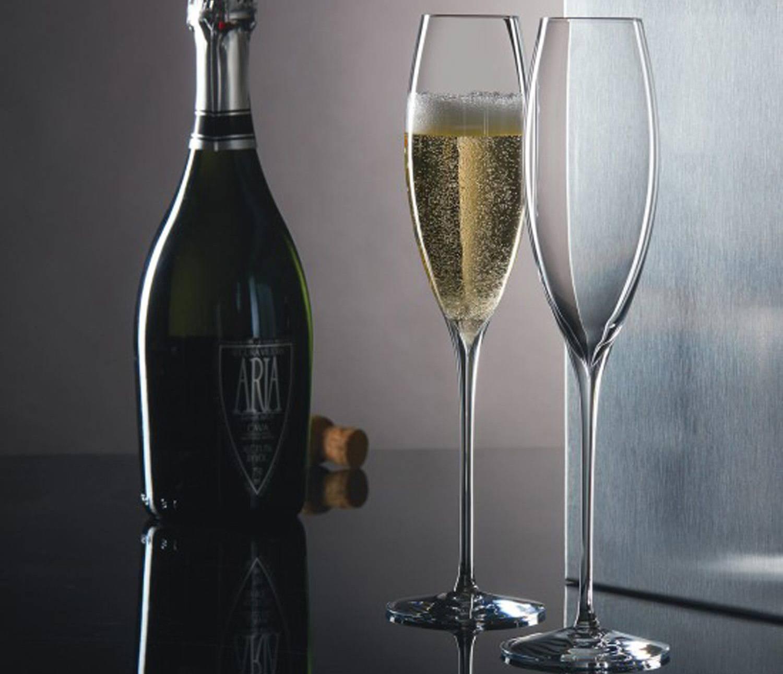Разновидности бокалов для шампанского: особенности выбора
