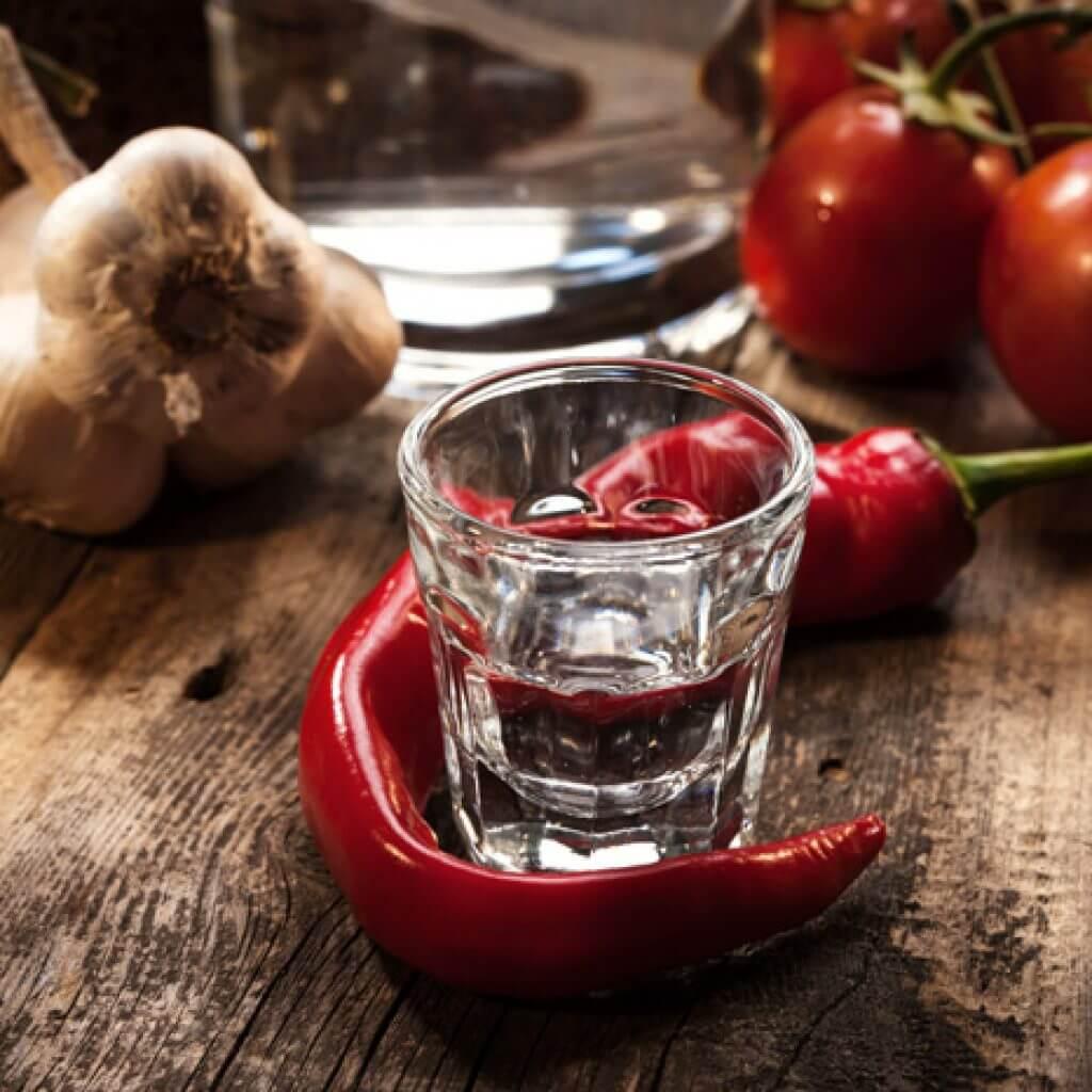 Водка с перцем от простуды при температуре: рецепт и правильные пропорции, мнение врачей
