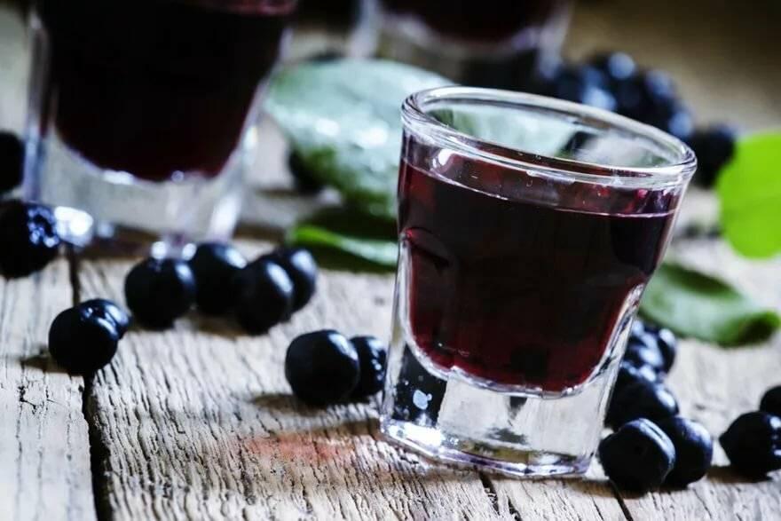 Черемуховая настойка на спирту