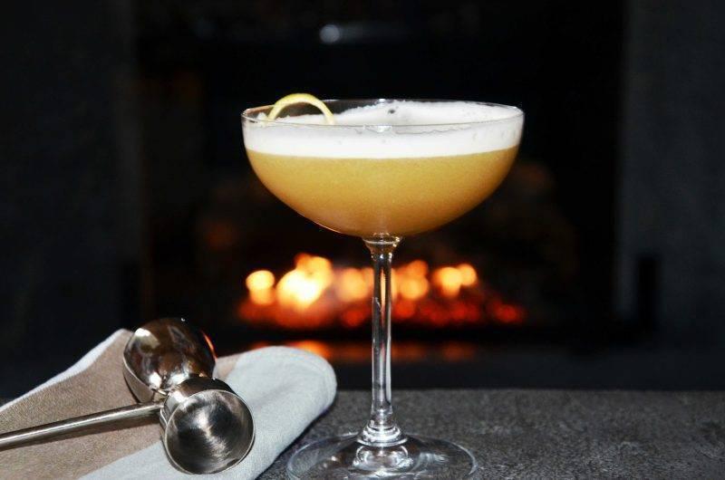 С чем пьют малибу — сочетания и рецепты коктейлей на ромовом ликере