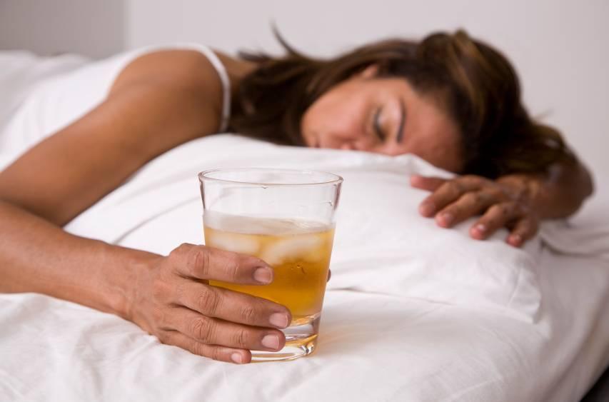 Бессонница после запоя и с похмелья: что делать, сколько длится, как уснуть, лекарственные препараты, народные средства
