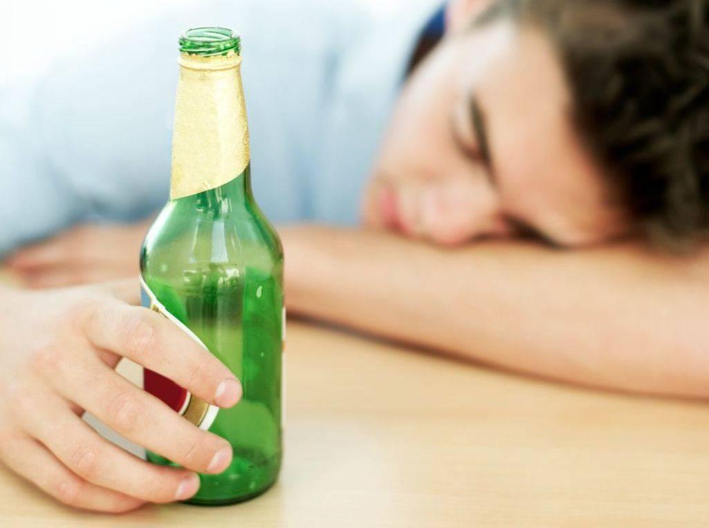 Лечение алкоголизма народными средствами в домашних условиях