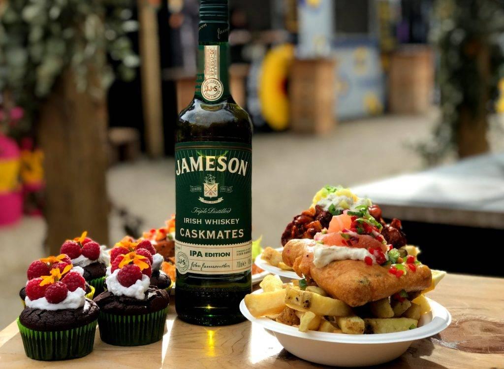 Как пить виски правильно, чем закусывать этот напиток? список продуктов и легких закусок, которые сочетаются с виски? чем заедать виски+кола?