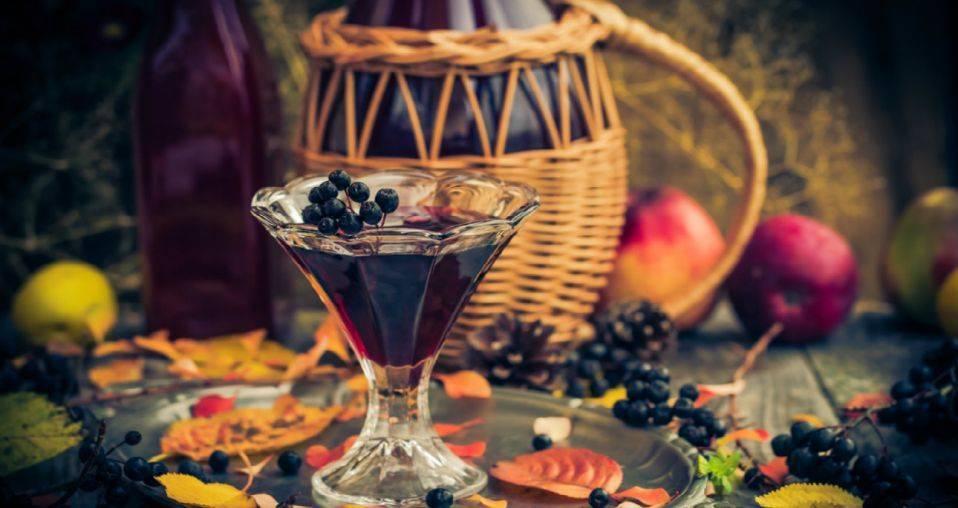 Ликер из рябины: черноплодной, красной, простые рецепты пошагово