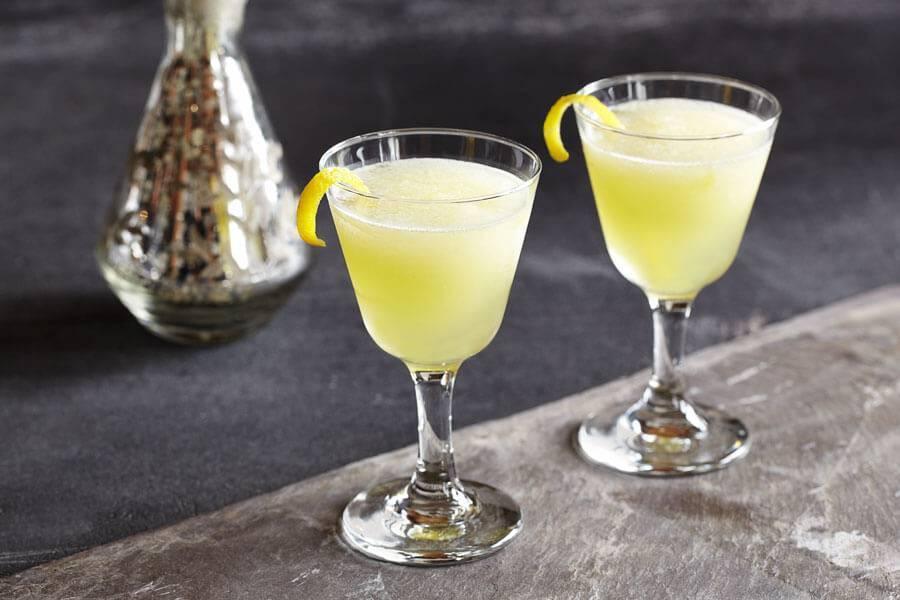"""Лимонная настойка а-ля """"лимончелло"""" – кулинарный рецепт"""
