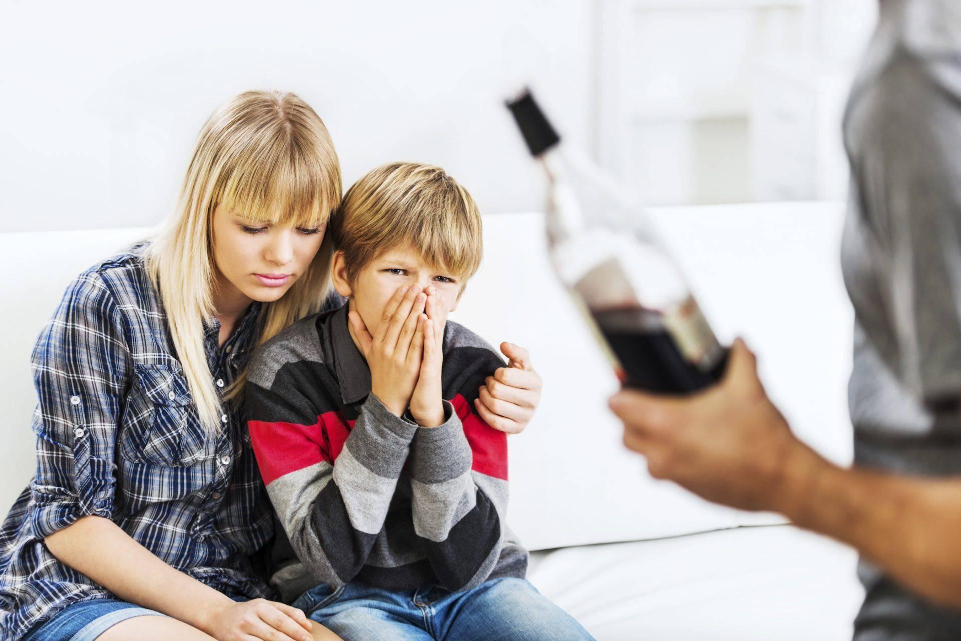 Дети алкоголиков: как воспитывать?