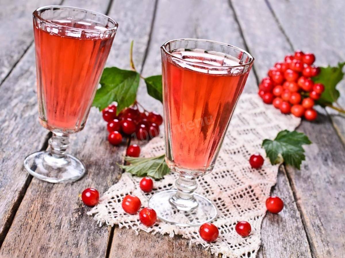 Настойка из ягод земляники. как сделать наливку, ликер, настойку из клубничного варенья, замороженной и свежей клубники на водке, спирту, самогоне: рецепт в домашних условиях - лечение
