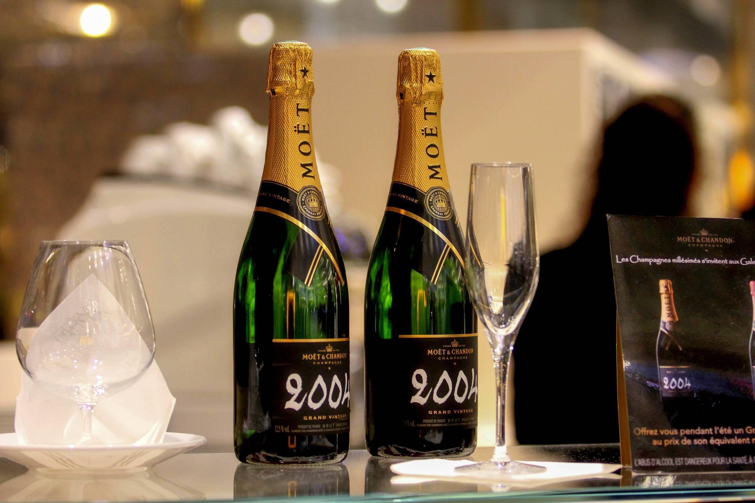 Французское шампанское: история, дома, марки напитка, стоимость