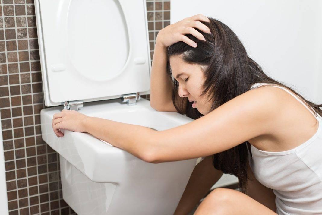 Тошнит после алкоголя - как избавиться от симптомов в домашних условиях препаратами и народными средствами