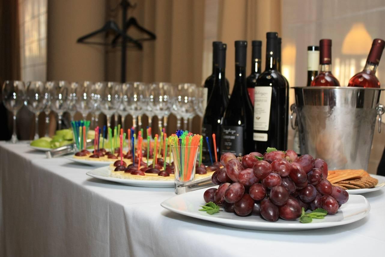 Как оценить вкус вина: правила дегустации