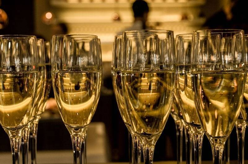 Шампанское: польза и вред для организма, польза и вред шампанского для женщин - sport-at-home