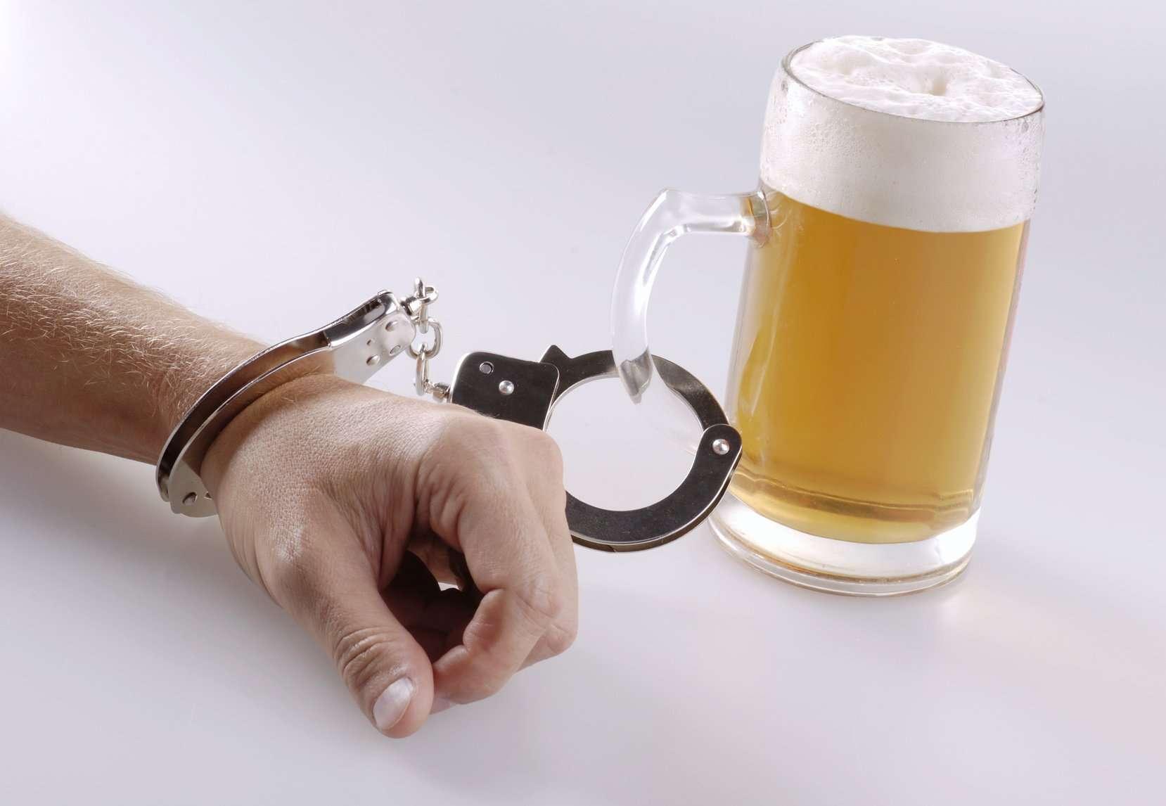 Способы, как отказаться от употребления пива мужчине и женщине: рассмотрим развернуто