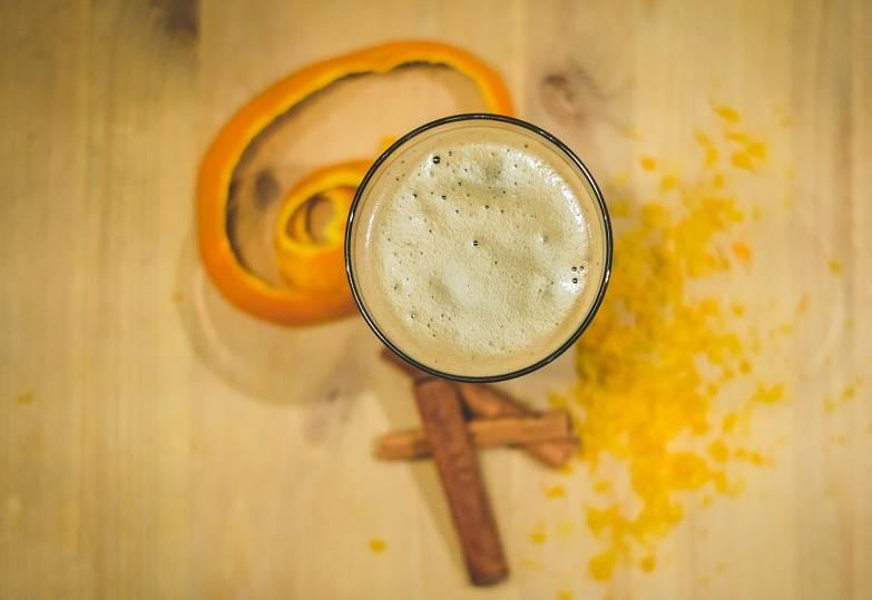 Делаем горячее пиво от кашля и при простуде + польза и вред