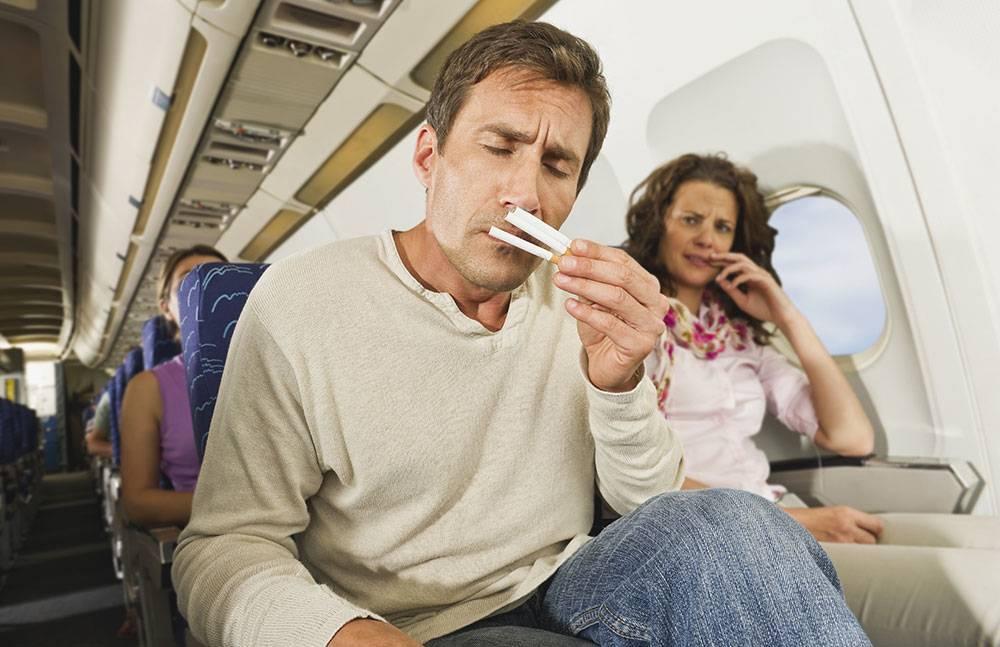 Какие меры наказания и штрафы установлены для дебоширов в самолетах и на транспорте