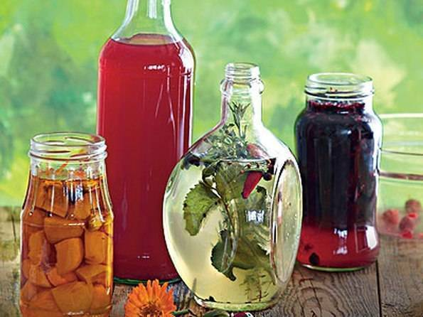 Настойки на основе самогона: 12 рецептов в домашних условиях