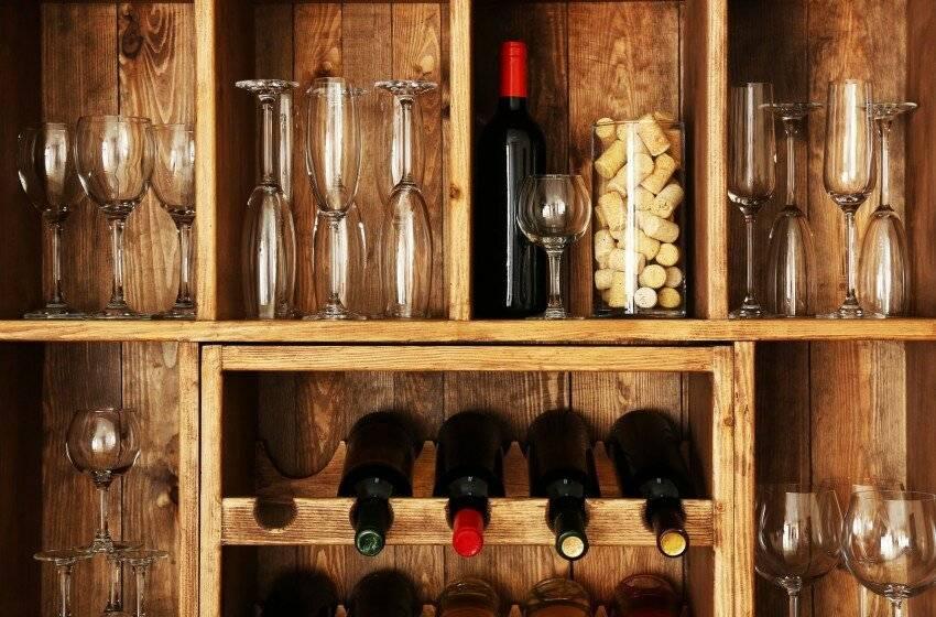 Как хранить домашнее вино в домашних условиях: в банках, бутылках
