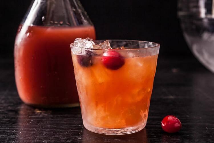 Long island iced tea (лонг айленд айс ти) – очень крепкий чай со льдом