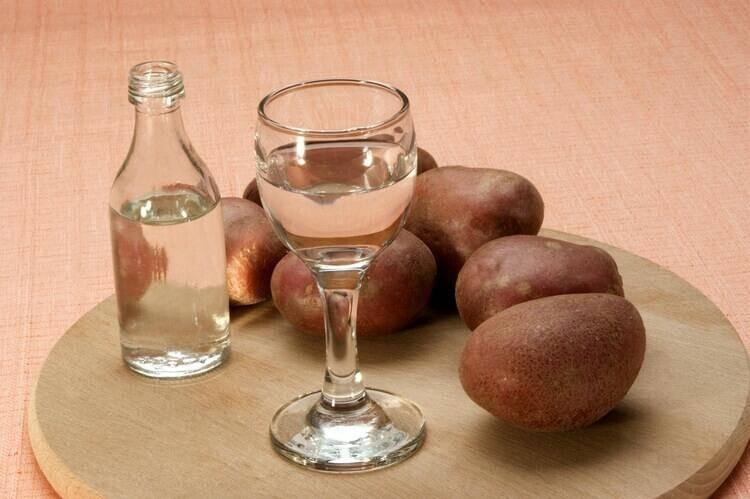 Самогон из картофеля: простой рецепт в домашних условиях, как сделать из картошки без дрожжей