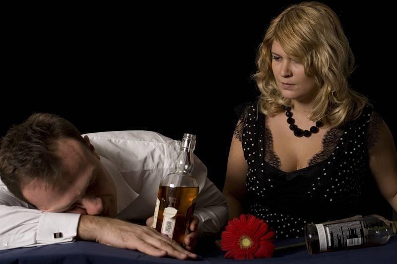 Как заставить алкоголика лечиться