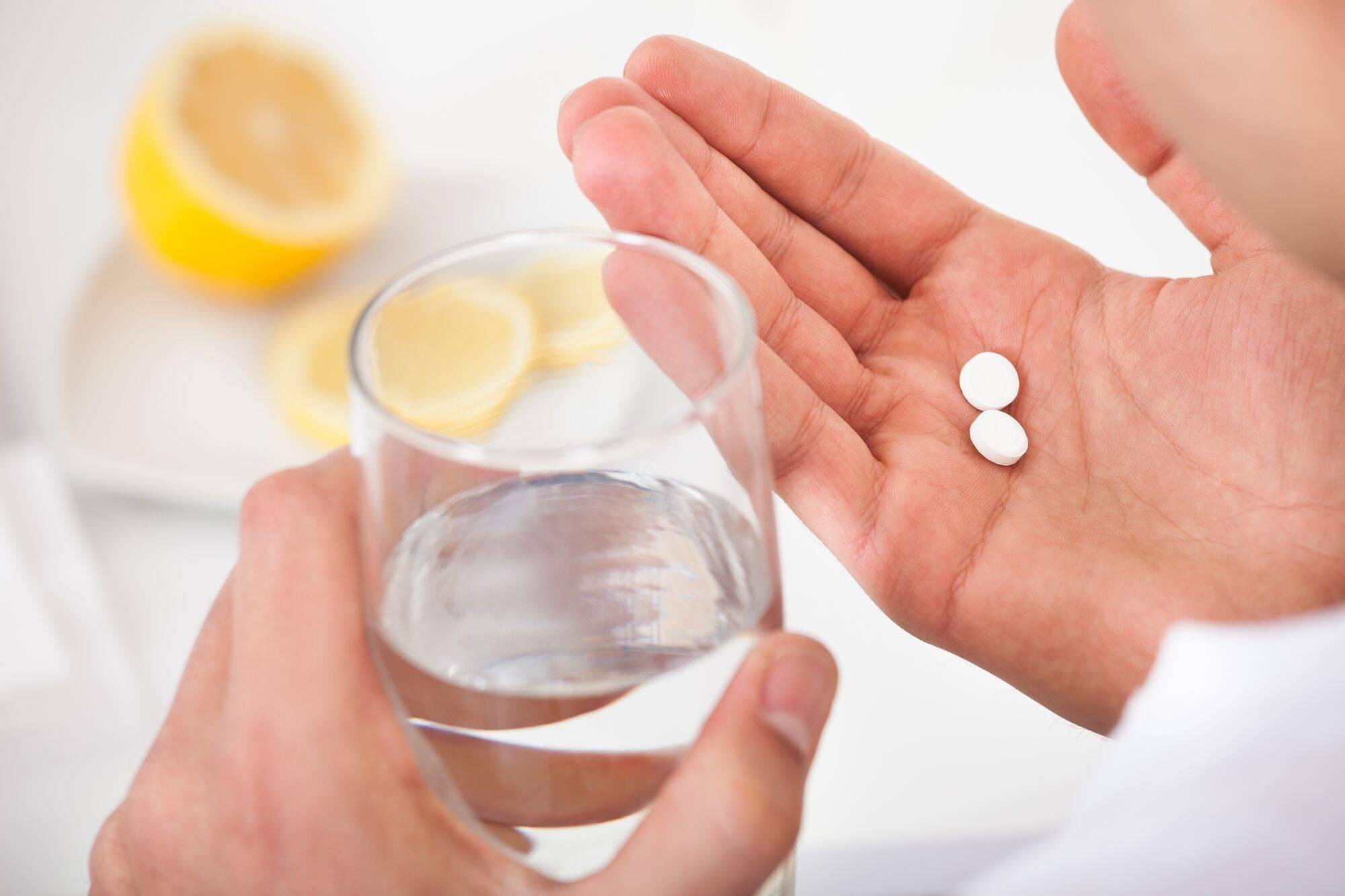 После алкоголя болит желудок: что делать, чем лечить с похмелья после пьянки