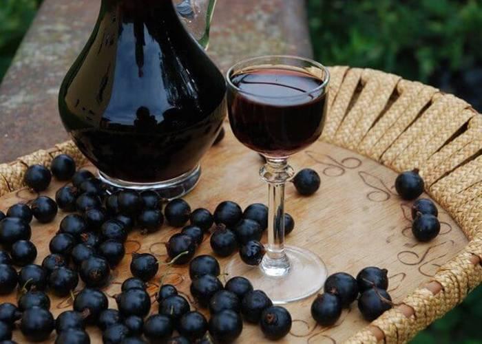 Наливка из винограда – еще один продукт виноградной лозы