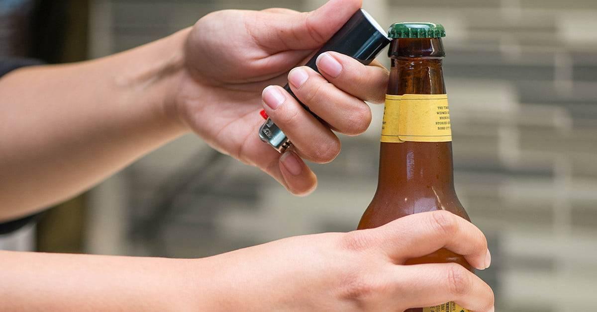 Как открыть пиво зажигалкой и другими подручными средствами?