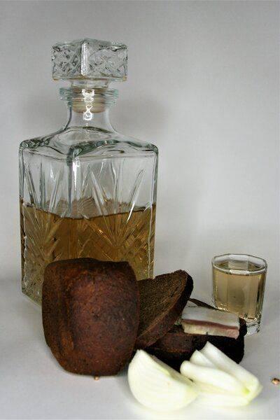 Ароматный самогон из хлеба – рецепт браги без дрожжей, сахара и солода