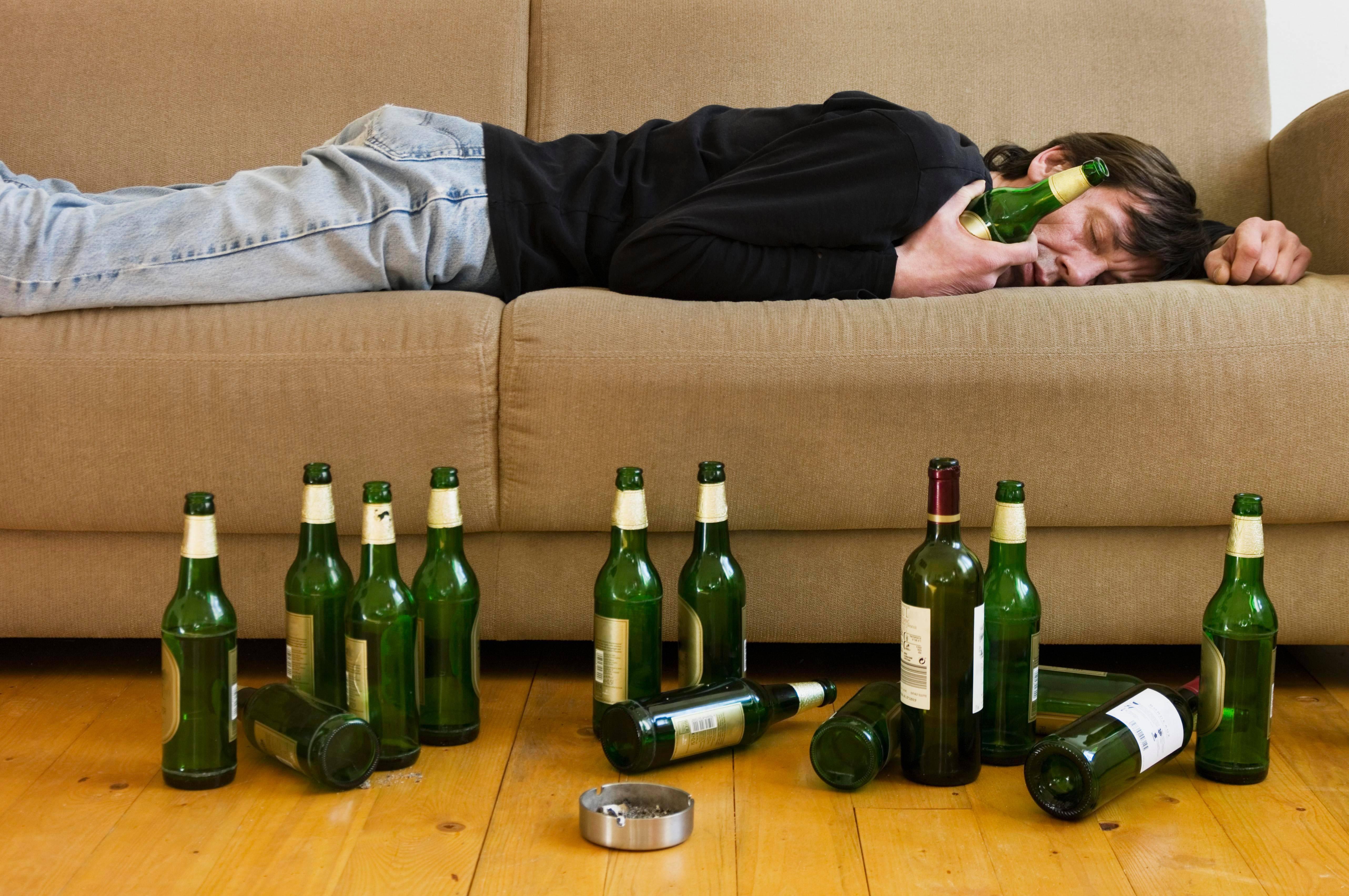 Почему уходят в запой – какие причины заставляют людей пить