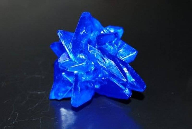 Кристаллы из соли — выращивание крупных и разноцветных красивых декоративных кристаллов (110 фото). кристалл из соли в домашних условиях