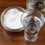Самые популярные рецепты от поноса с солью и водкой