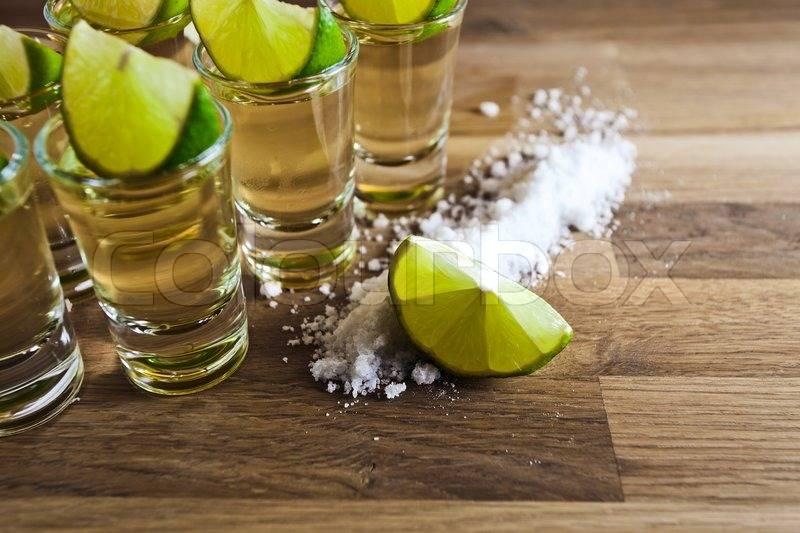 Как правильно пить текилу и чем лучше закусывать?