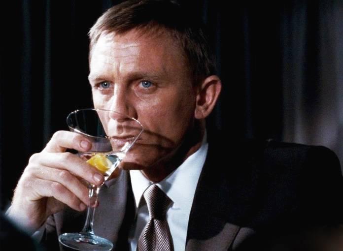 Коктейли джеймса бонда – рецепты из фильмов и книг об агенте