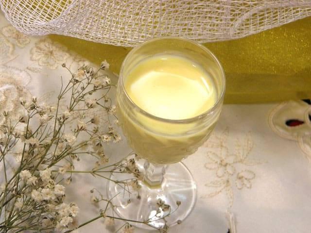 Как приготовить молочный ликер? польза, состав, простые рецепты в домашних условиях   про самогон и другие напитки ?   яндекс дзен